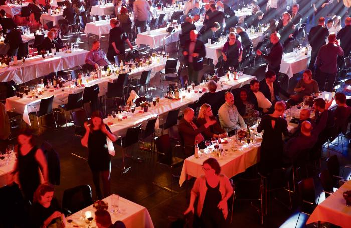6e1984fc Julearrangement på Tivoli Hotel i København. Danskerne ryger og drikker  langt mere alkohol end vores