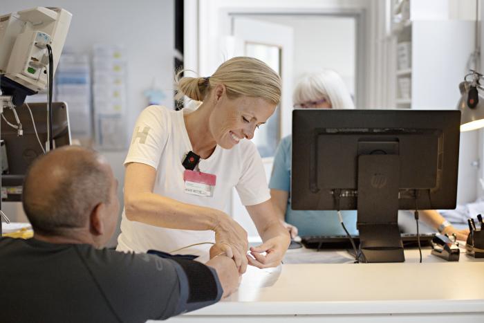 562028789f8 Det danske sundhedssystem har styr på kerneydelserne: kontakt med patienter  og operationer. Men det