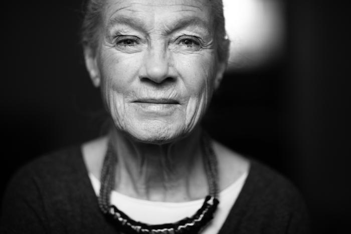 ældre kvinde ung mand ordbetydning