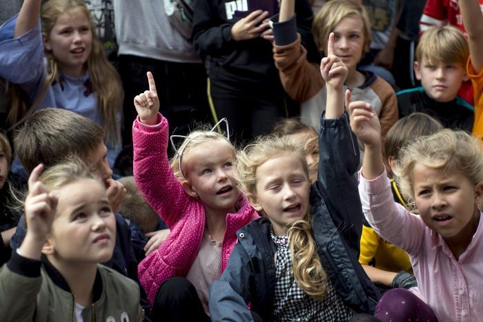 e68c81e3 Er det etisk forsvarligt at lade fattige børn betale prisen for, at ...