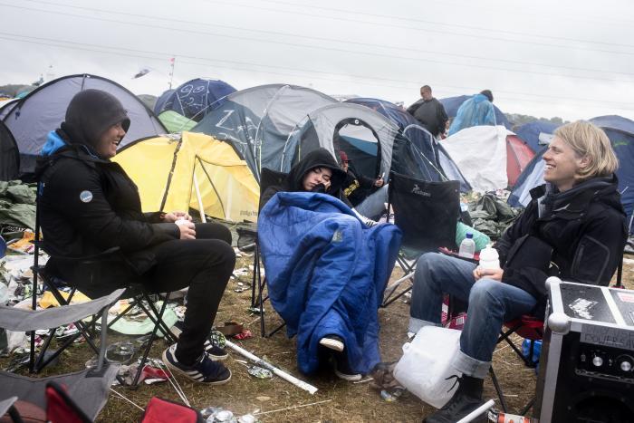a673d1b8 Man forstår festivalens problem, når man ser de årligt tilbagevendende,  ikoniske billeder af svineriet