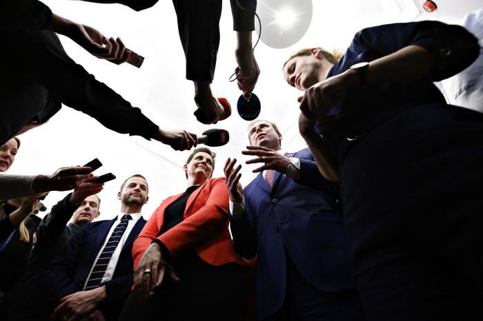 Finansminister Nicolai Wammen (S) præsenterer finansloven for 2020 flankeret af Enhedslistens Pernille Skipper (t.h.) samt SF's Pia Olsen Dyhr og den radikale leder Morten Østergaard (t.v.).