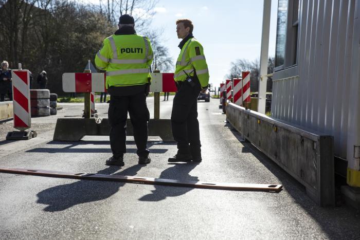 Sundhedseksperter Danmark Skal Vaere Meget Varsom Med At Abne Graenserne Information