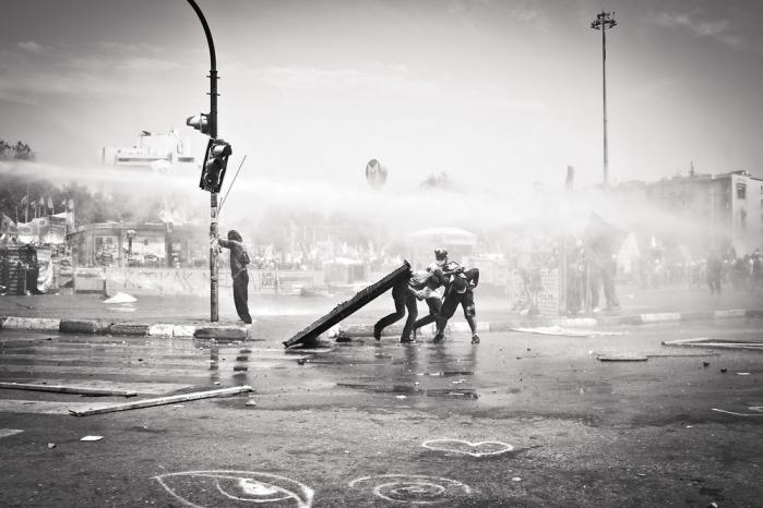 De nye sociale bevægelser er mere organiseret end nogensinde før. Det var protesterne i Tyrkiet i sommer et eksempel på. Foto: Aurore Belot / Demotix