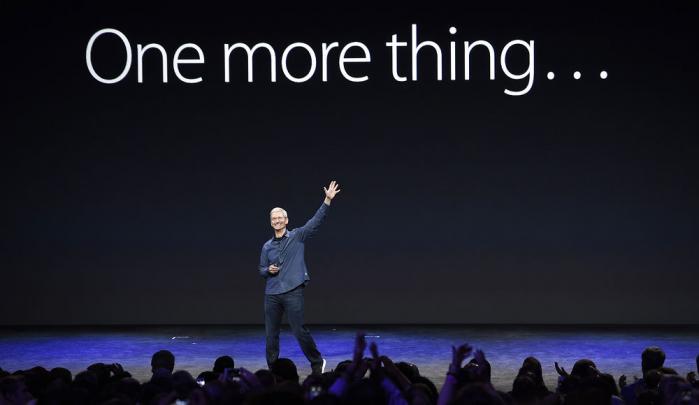 Apple har lanceret en ny iPhone og et smart-ur og der debatteres ivrigt om både design og teknologi. Ifølge Peter Lauritsen har alle imidlertid glemt, at Apple med de nye produkter entrerede markedet for selvovervågning. Hvor meget vil vi vide om os selv?