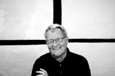 Niels Helveg Petersen mener ikke, at Irak-krigen er et afsluttet kapital, selv om de danske landtropper nu er hjemme igen. Han er fortaler for, at man nedsætter en undersøgelseskommission, som skal se nærmere på processen bag beslutningen om at gå ind i krigen.