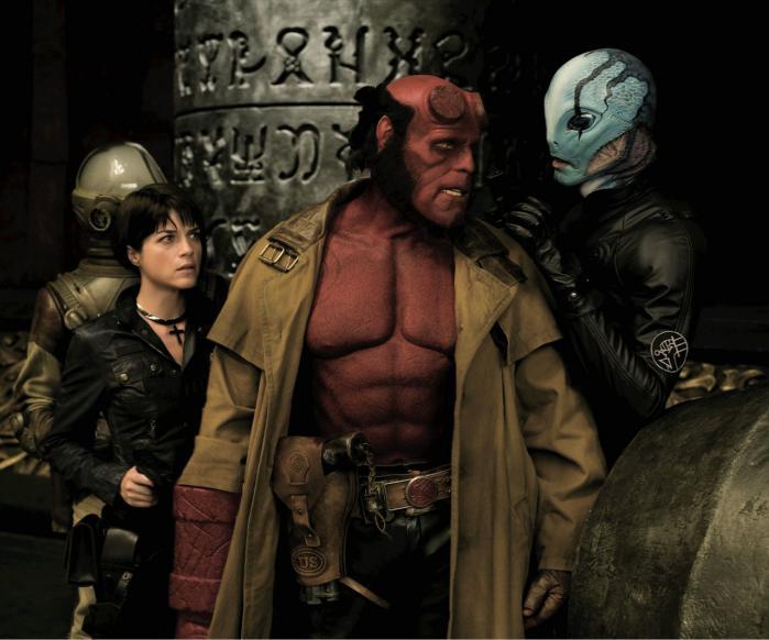 Karakter. Hellboy ligner måske ikke dig og mig, men i hænderne på del Torro bliver han følelsesmæssigt lige så sårbar som alle os andre. Og det gør karakteren interessant.