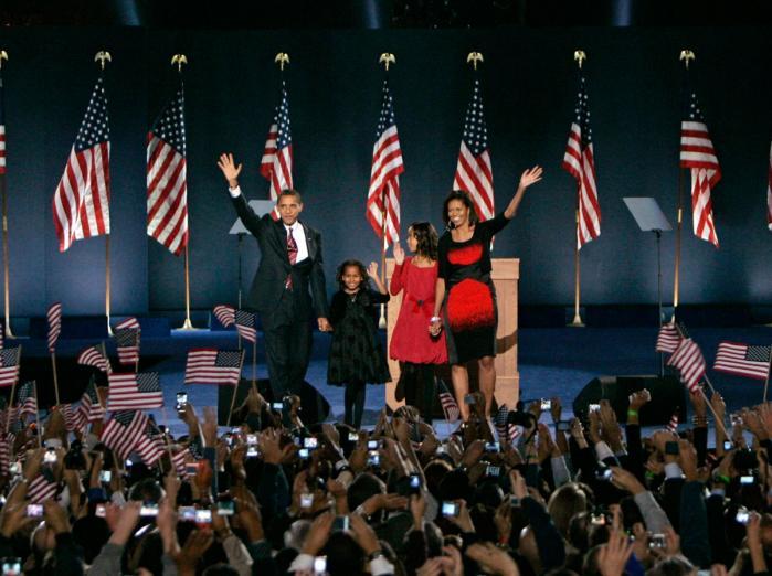 Demokraten Barack Obama vandt klart det amerikanske valg og bliver landets første farvede præsident. Hans partifæller står til at udbygge flertal i Kongressen