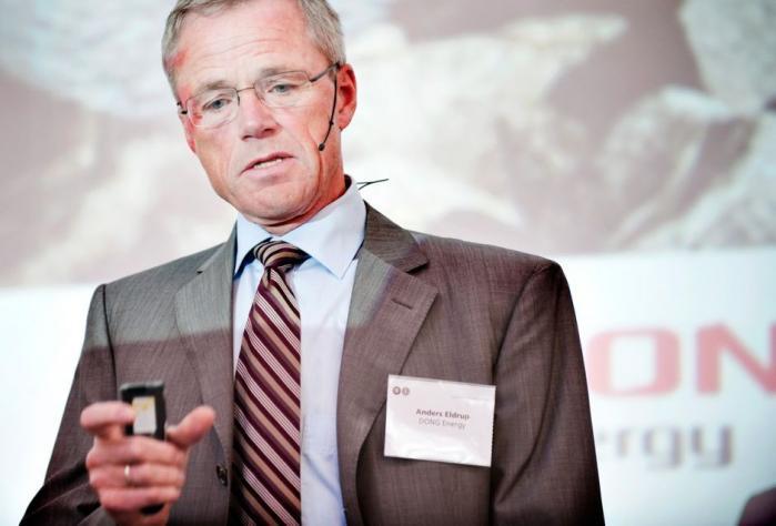Tre påtænkte kulkraftværker i udlandet opgives, to danske kulblokke lukkes, og to andre stilles om til biomasse eller naturgas. Vores CO2-udledning skal ned med 85 procent, siger DONG Energys koncernchef, Anders Eldrup, der efterlyser politikernes hjælp