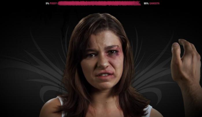 Hit the Bitch. Et spil, der skal få børn og unge fra voldsramte familier til at bryde tavsheden. Men er det ofrene og dem, der faktisk slår, der nås med kampagnen?