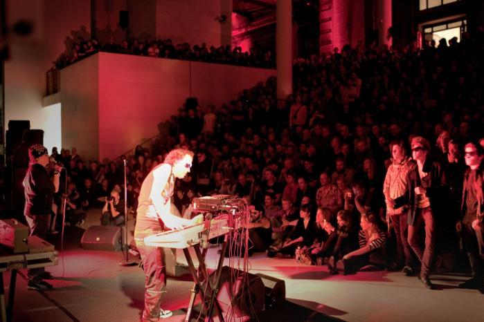 De første punkere i Suicide er blevert ældre - i variende omfang, viste fredagens koncert på Statens Museum for Kunst.