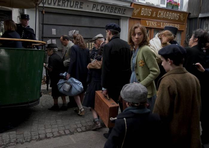 Den storladent iscenesatte 'Beslutningen' fortæller en vigtig historie om jødedeportationer under Anden Verdenskrig