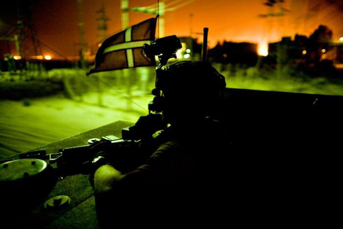 Koalitionsstyrkerne havde kendskab til irakisk politis systematiske brug af tortur. Alligevel var  den danske bataljon med til at tage et hidtil ukendt højt antal irakere til fange og overlade dem til irakisk politi, viser lækkede militærlogs. Muligt brud på Genèvekonventionen, siger eksperter