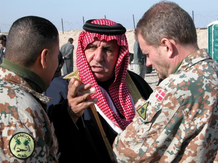 De irakiske tolke satte livet på spil ved at arbejde for koalitionsstyrkerne i Irak. Ikke desto mindre undlod det danske forsvar gennem flere år at yde tolkene effektiv beskyttelse.