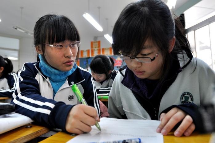 Det kinesiske skolesystem er i høj grad fokuseret på test, og det er en af forklaringerne på, at landets skoler klarede sig så godt i PISA-testen. Til gengæld er de kinesiske elever i mindre grad rustede til at være kreative og innovative, siger Jiang Xueqin fra Peking Universitet.