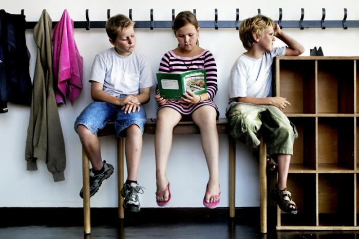 Mange lærere har en forestilling om, at drengene larmer mere end pigerne, men det passer ikke, viser ny undersøgelse