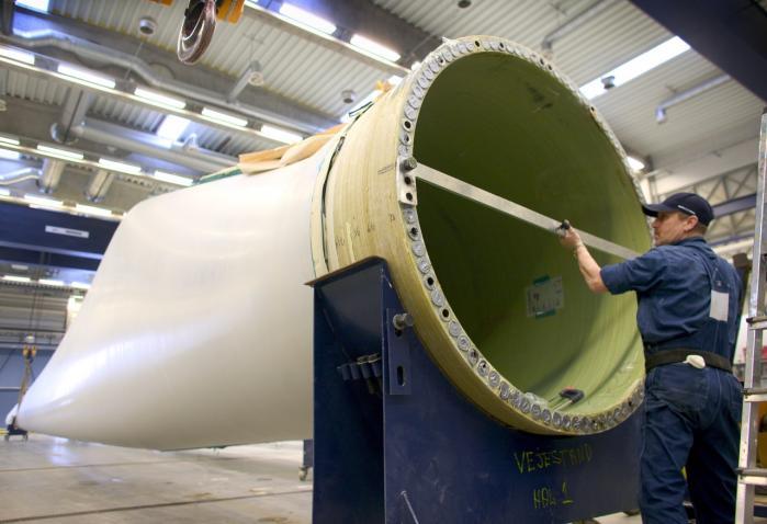 Det danske vindmølleeventyr er et eksempel på, hvordan industripolitik med målrettet statsstøtte til danske vindmølleproducenter har båret frugt med tusindvis af danske arbejdspladser og en eksportsektor i milliardklassen.