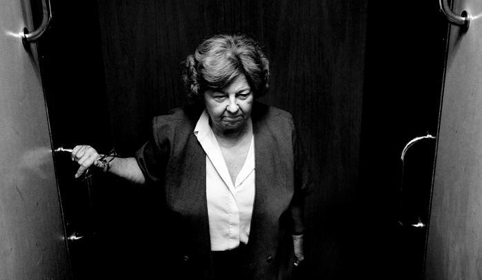 Igennem halvandet år har Birthe Rønn Hornbech (V) ifølge anonyme embedsmænd ignoreret klare henstillinger fra sit ministerium om at stoppe ulovlige afslag til statsløse. Rønn risikerer rigsretssag