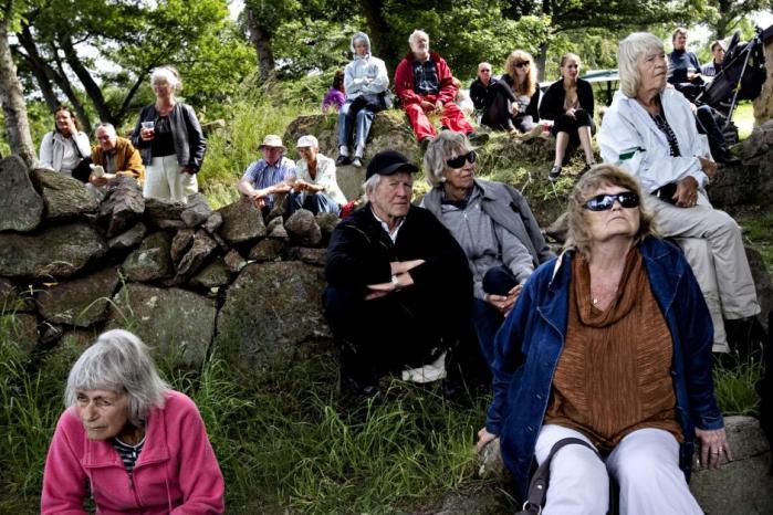 Fra regnvåd konservativ folkefuser til Pias Kjærsgaards frække frikadeller. På Folkemødet kunnet folket se på politikere, som dyreskuegæster ser på svin – og det var faktisk folkeligt
