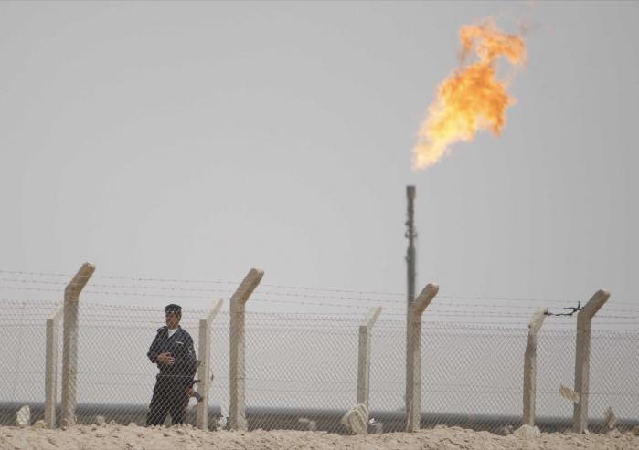 Olieressourcer, som f.eks. dem Irak besidder, er ofte medvirkende eller afgørende faktor til væbnede konflikter, mener kronikøren.