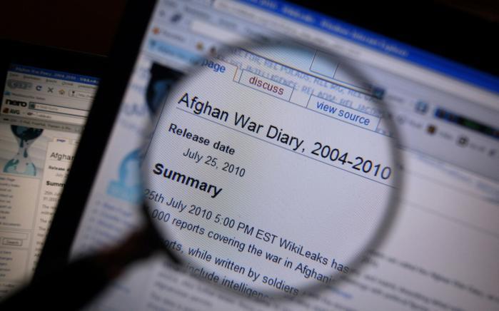 En tilsyneladende komplet og ucensureret kopi af Wikileaks-dokumenterne ligger frit tilgængelig på nettet.