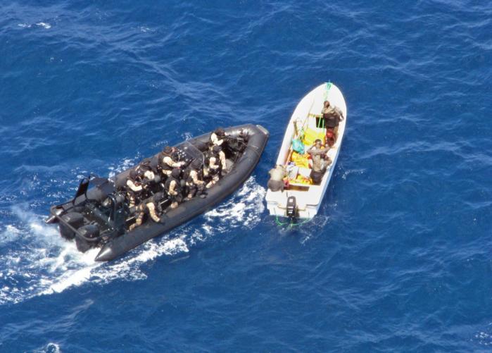 'Redskaberne er der, men problemet er, at Danmark indtil nu ikke har ønsket selv at retsforfølge piraterne, selv om den internationale Havretskonvention giver os mulighed for det,' siger forsker Lars Bangert Struwe om den manglende retsforfølgelse af piraterne.