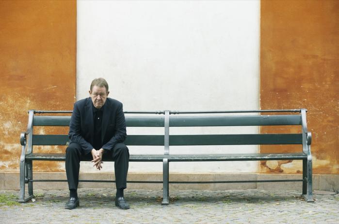 Forhenværende statsminister Poul Nyrup Rasmussens råd til Danmarks nuværende statsminister, Helle Throning-Schmidt, er, at hun skal kæmpe for, at den europæiske krise ikke alene forsøges løst med besparelser, men at besparelserne suppleres med vækstinitiativer – ganske som det sker i Danmark.