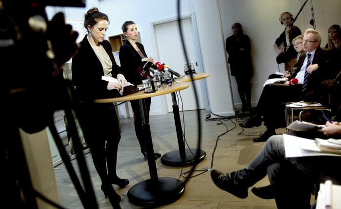 Socialminister Karen Hækkerup  og beskæftigelsesminister Mette Frederiksen fremlagde den 28. februar regeringens forslag til en reform af førtidspension og fleksjob, som skal bidrage med 3,5 milliarder kroner til statens finanser. Men forslaget vil ifølge kritikere betyde, at fleksjobbere fremover kan blive presset til at arbejde for en lavere løn.