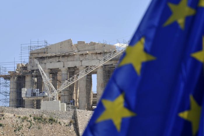 Ingen økonomiske eksperter tror på, at det vil være lettere for Grækenland at træde ud af Europa og starte forfra. Den politiske pilrådne kultur vil stadig være den samme, og mange ting vil tværtimod ikke ændre sig uden for eurozonen.
