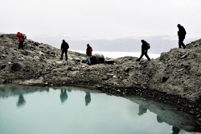 Under Grønlands enorme iskappe kan der ifølge geologiske skøn ligge nok sjældne jordarter til at mætte mindst en fjerdedel af den globale efterspørgsel i fremtiden.