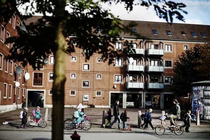 Mangfoldigheden og det at kunne møde sine klassekammerater på Blågårds Plads er nogle af de kvaliteter, Nørrebro-beboere fremhæver ved kvarteret.