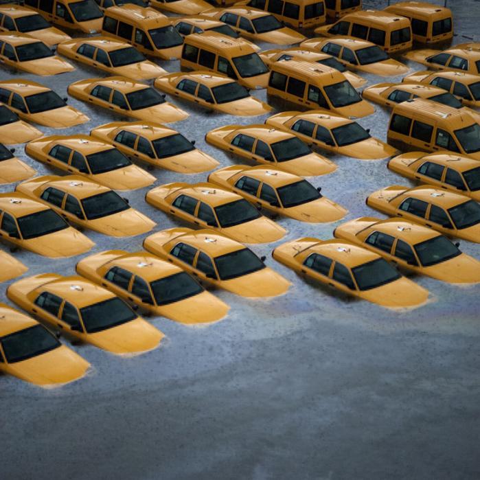 Frem for at gøre menneskeskabte klimaforandringer til en del af debatten om Sandy, vælger amerikanerne at rydde op og forberede sig på den næste storm