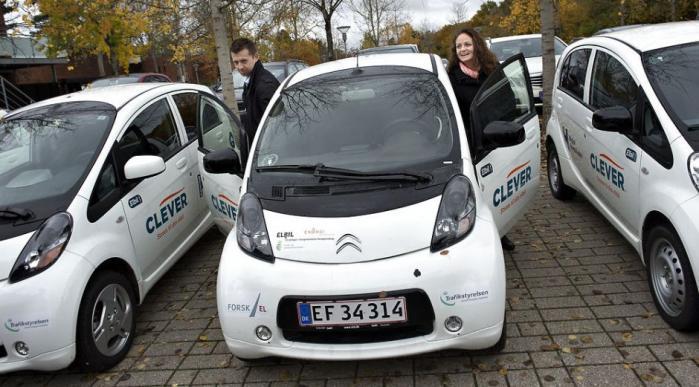 Det kører fortsat ikke for elbilen. Alligevel er den politikernes foretrukne valg, når problemet med fremtidens transport skal løses