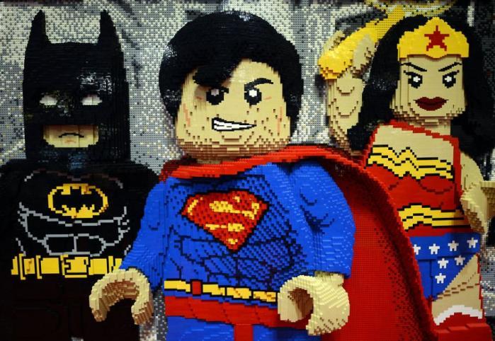 Legos mission er bl.a. 'at inspirere og udvikle børn til at tænke kreativt, ræsonnere systematisk og udnytte deres potentiale for at skabe deres egen fremtid og dermed udnytte menneskets uendelige muligheder'.