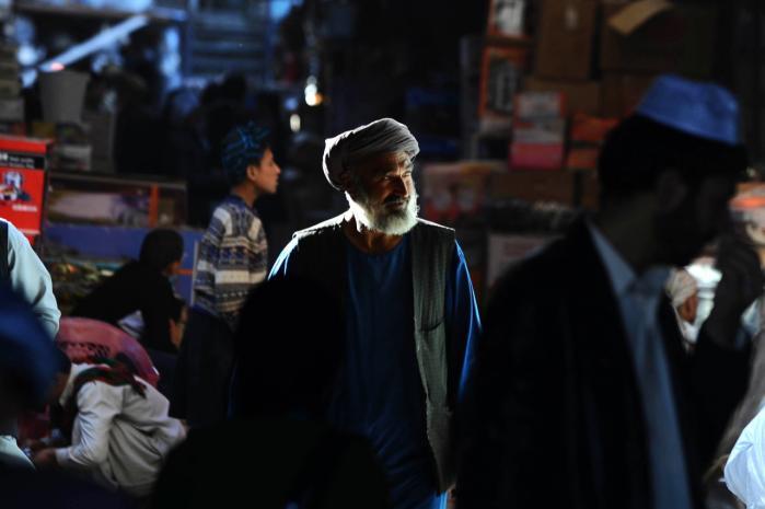 Afghanistan. Det krigshærgede lands skæbne er resultatet af årtiers kulturelle misforståelser, skæve alliancer og blindt had. Det er en af pointerne i romanen 'Vågenatten'.