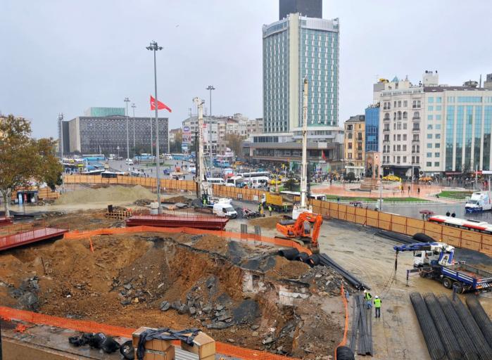 I Istanbul er man ved at ombygge den centrale Taksim-plads, der skal gøres til en bilfri zone.