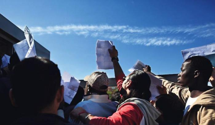 I takt med de offentlige besparelser i Grækenland forværres flygtninges vilkår. Amnesty International opfordrer EU til at tage konsekvensen af situationen og indføre en mere ligelig fordeling af ansvaret for asylansøgere