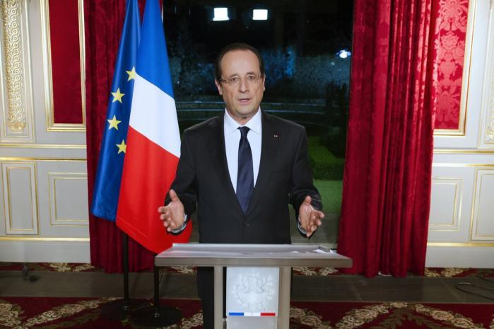 'Eurozonen er blevet reddet, og Europa har endelig vedtaget de instrumenter, stabilitet og vækst, som det savnede,' sagde François Hollande i sin nytårstale.