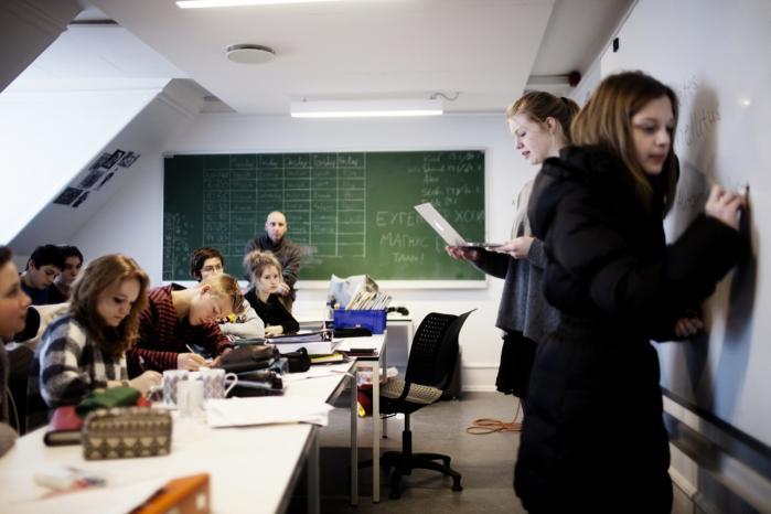 På Sankt Petri Skole bliver dansk og tysk sprog og kultur vægtet lige højt. Flersprogethed styrker elevernes faglighed, mener skolens rektor.