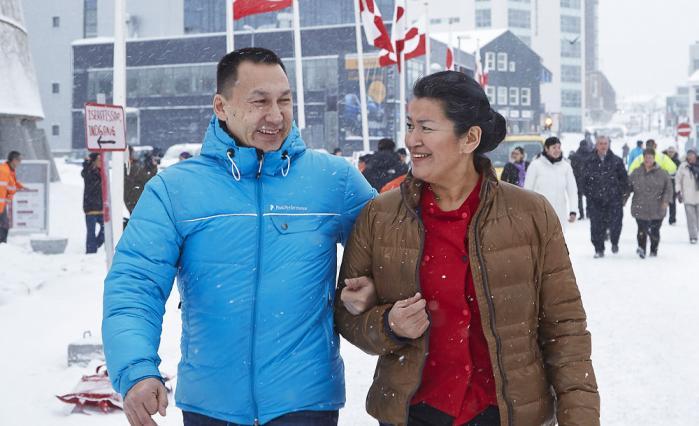 Aleqa Hammond ses her med hendes kæreste Tom Ostermann. Begge har været kandidater for Siumut ved valget. Foto: Scanpix