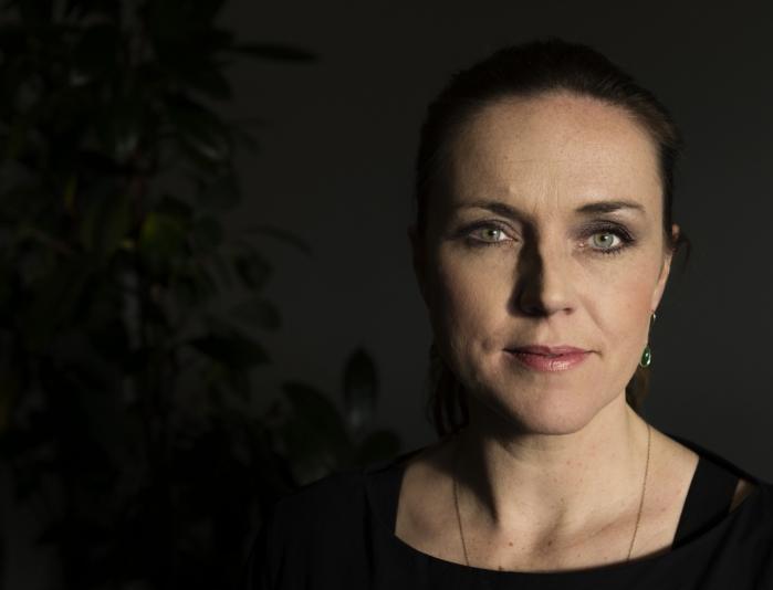 Ifølge socialminister Karen Hækkerup er hjælpeplanen for stofmisbrugere ikke endt i en syltekrukke, men ministeriet vil blot være sikker på, at de mange ressourcer bliver brugt bedst muligt, før planen bliver ført ud i livet.