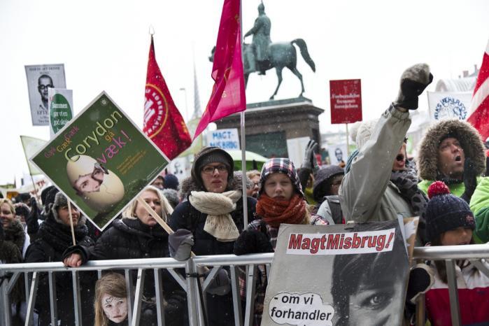 I sidste uge var flere tusinde samlet til en demonstration til støtte for Danmarks Lærerforening i forhandlingerne om ny arbejdstidsaftale for lærerne. Men på trods af voksende ulighed mellem dem, der tjener mest, og dem, der tjener mindst i Danmark, er der ikke tegn på, at danskerne går på barrikaderne.
