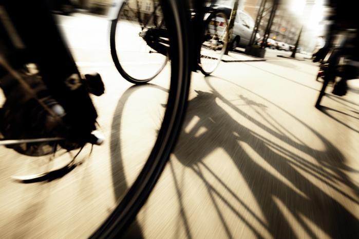 Politiet har ikke ressourcer til at opklare de mange cykeltyverier, og derfor vil et centralt register over stjålne cykler være kærkomment, mener et flertal i Folketinget.