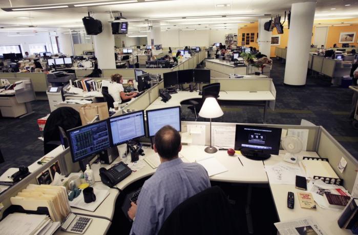 Tidligere på måneden kom det frem, at det amerikanske justitsministerium uden at orientere nyhedsbureauet Associated Press (AP) havde fået adgang til et dusin AP-journalisters telefonlogbøger.