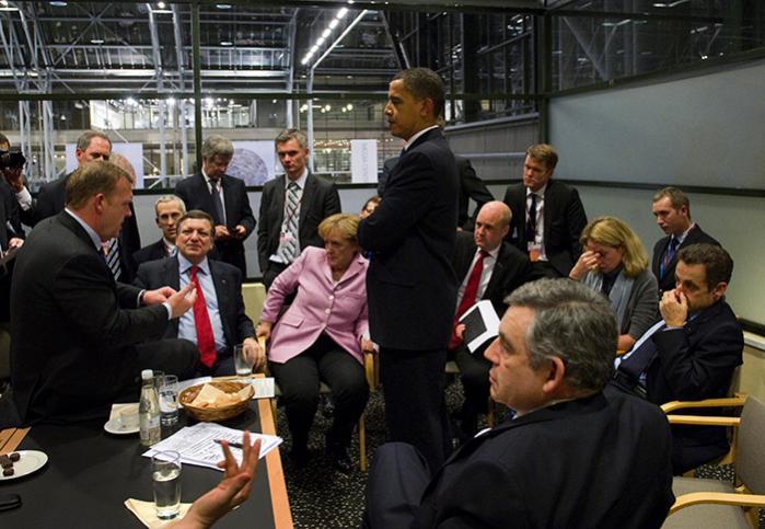 På COP15-klimatopmødets sidste dag den 18. december holdt de mest fremtrædende vestlige ledere med USA's præsident Barack Obama i spidsen et krisemøde i Bellacentret. NSA-dokumenter viser, at Obama vidste en del om de andre landes positioner i klimaforhandlingerne