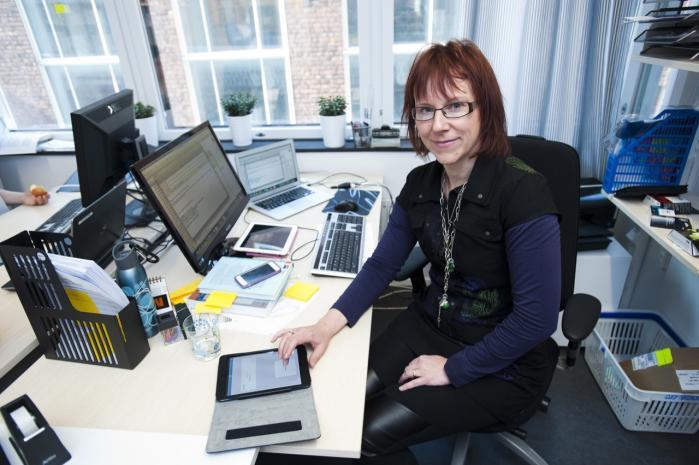 Svenske Sara Riggare havde allerede som 13-årig symptomer, der tydede på, at hendes muskler ikke fungerede som andres. Men først som 32-årig fik hun konstateret Parkinsons sygdom. Hun er forsker og har bl.a. udviklet en app, der kan gøre det lettere for hende at sikre, at hun tager sin medicin på det for kroppen mest optimale tidspunkt.