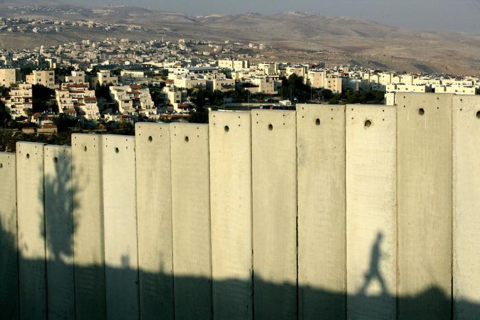 Den israelske 'adskillelsesbarriere' holder palæstinenserne adskilt fra de israelsk besatte områder på Vestbredden