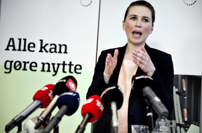 Beskæftigelsesminister Mette Frederiksen præsenterede i februar 2013 regeringens nye kontanthjælpsreform. Men hele ræsonnementet bag forestillingen om de beregnende og dovne kontanthjælpsmodtagere bygger på manglende kendskab til kontant-hjælpens vilkår og kontanthjælpsmodtagernes virkelige sociale forhold