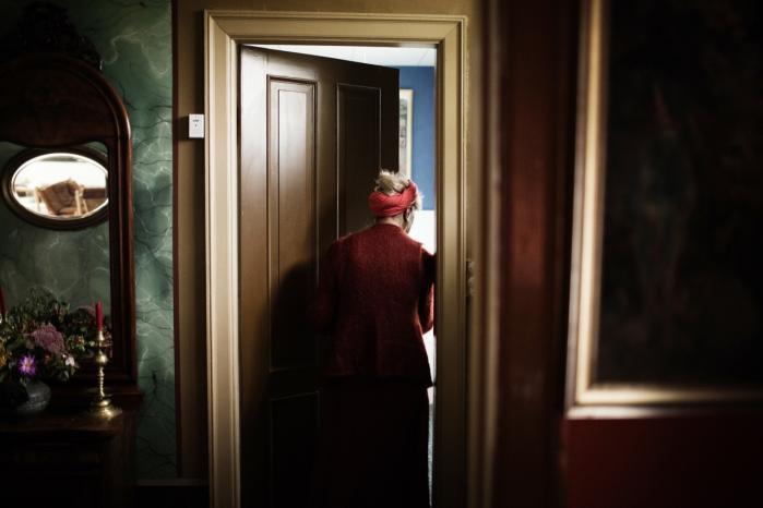 Distance. Suzanne Brøgger i sit hjem i Løve – 'fjernt fra luksusbutikker, mondæne cafeer, fjernt fra elitens kunstneriske modemiljøer'.