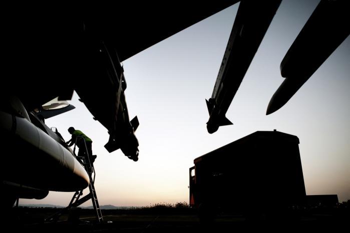 F16-fly parat til at gå i aktion. Men offentligheden må finde sig i begrænset indsigt i, hvad de foretager sig i Irak.